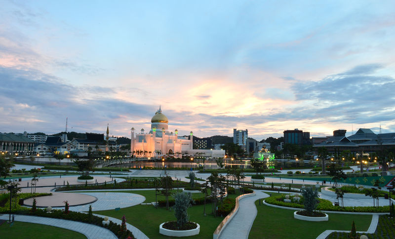 As Western banks leave, China adds Brunei to new silk road