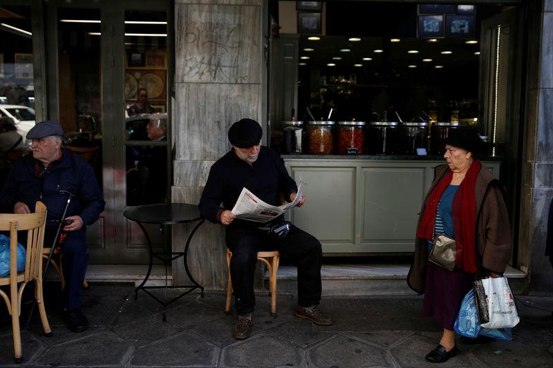 EU sees economic splits as half of member states face differing gaps