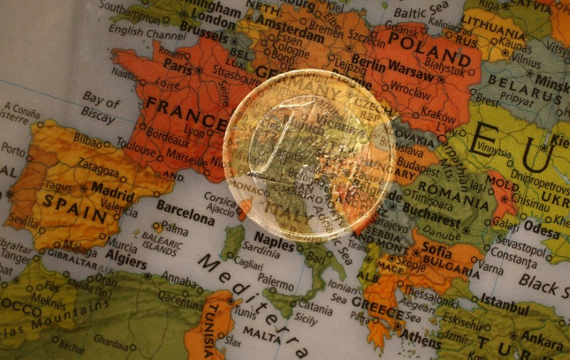 Euro zone investor morale falls on protectionism fears: Sentix