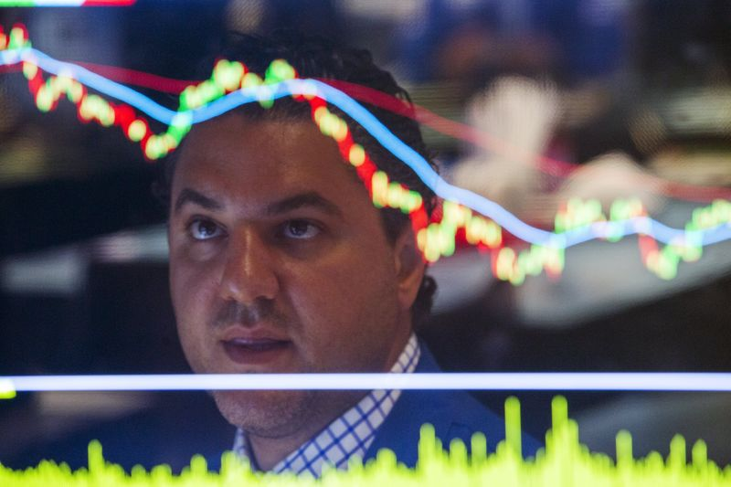 Stocks Recover, Oil at Fresh Highs, Facebook Drama - What's Moving Markets