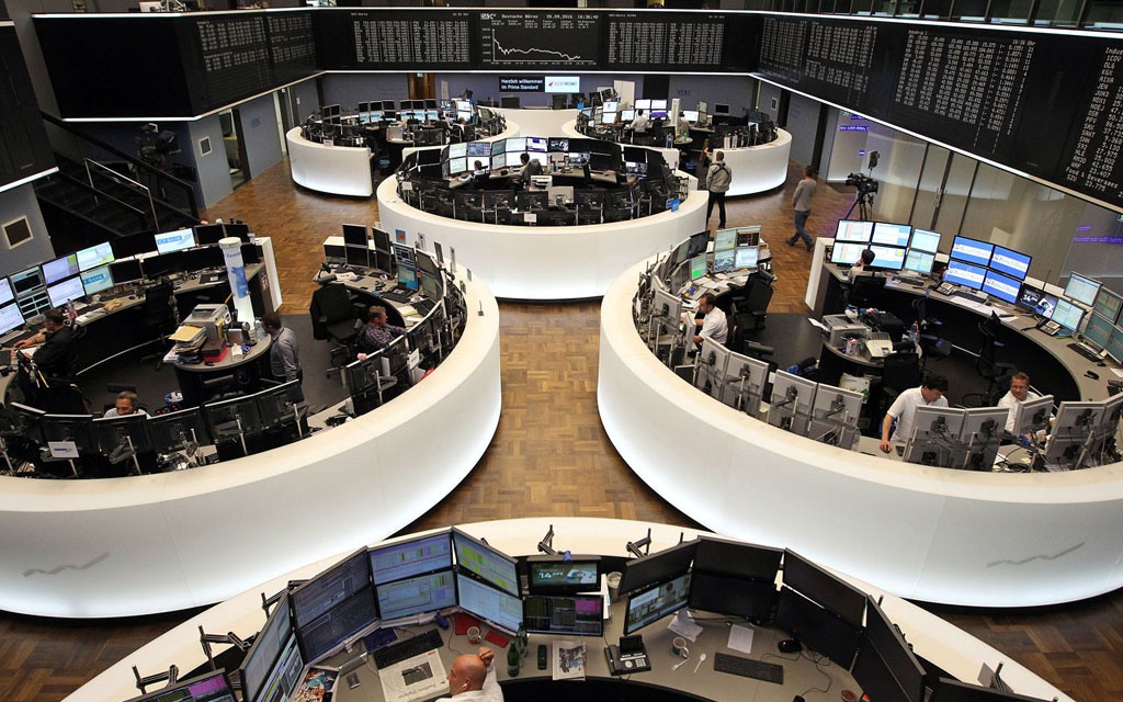 Global equities get boost from growth outlook