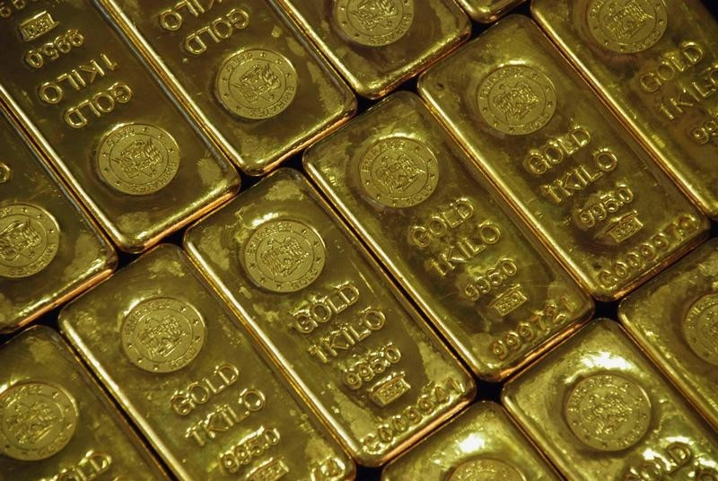 Gold Prices Edge Higher Ahead of Key Data, Sino-U.S. Trade Development in Focus