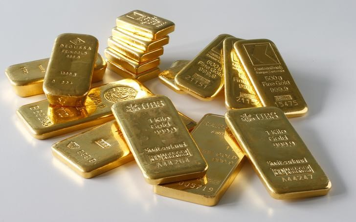 Gold Up, Steadies as Fed Taper Expectations Widen