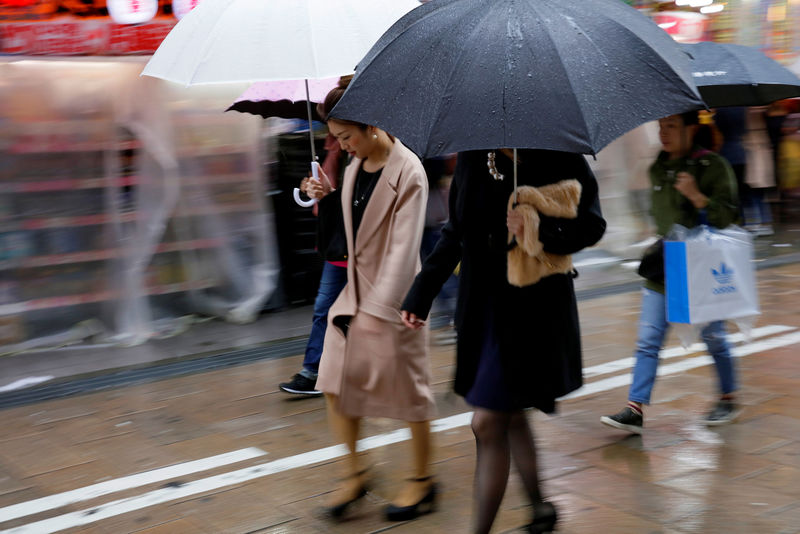 Japan's central bank in uneasy spot as inflation lags robust economy