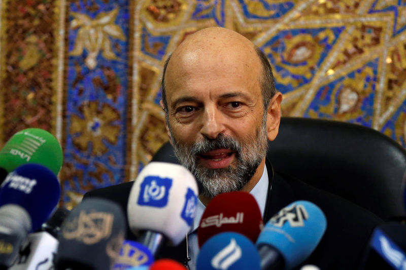 Jordan PM says economy strengthening, on track with growth