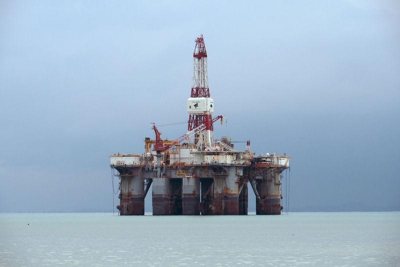 US Crude Oil Stocks Rose 3.229 Million Barrels Last Week, API Says