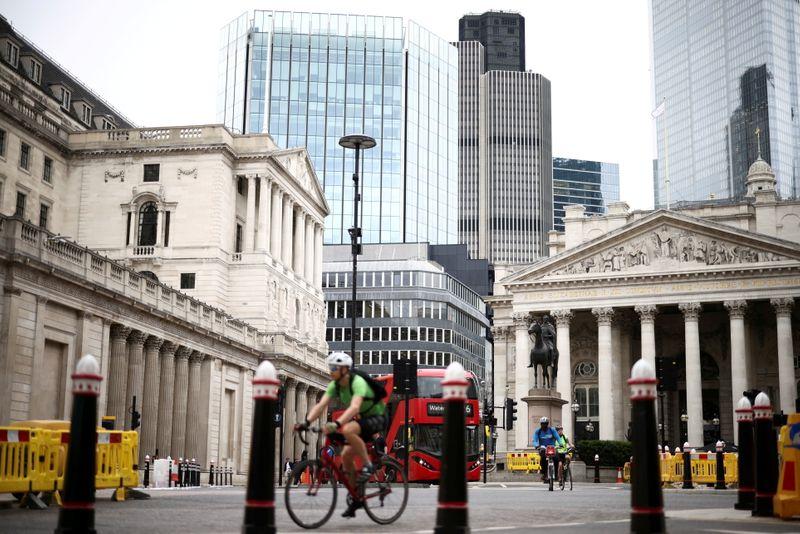 Gas price explosion jolts UK bond market