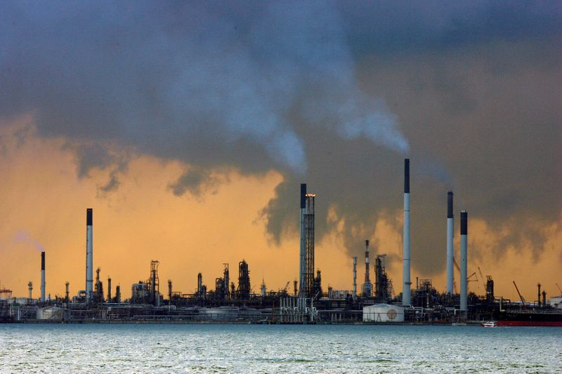Gasoil drives Asian refinery margins back to pre-COVID levels