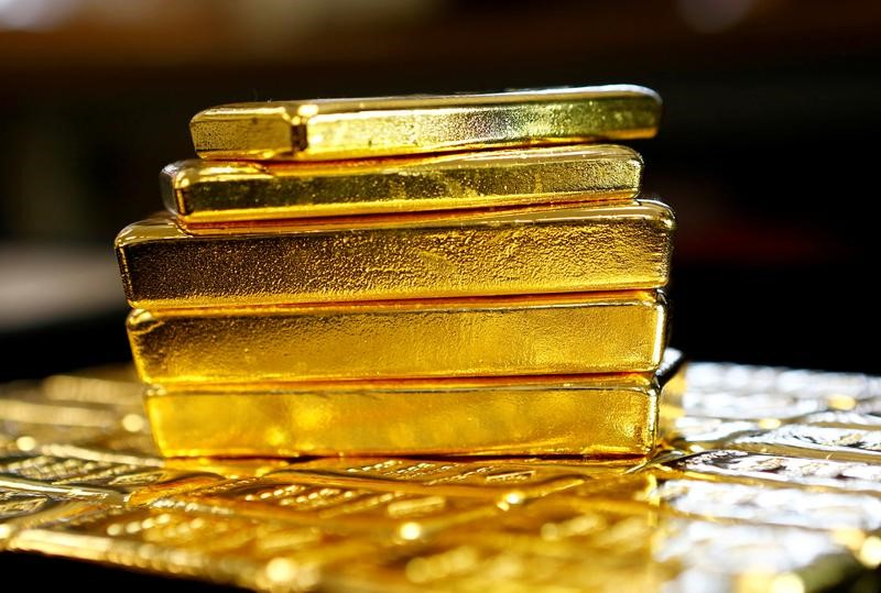Gold Steadies as Traders Weigh Elevated Inflation, Growth Risks