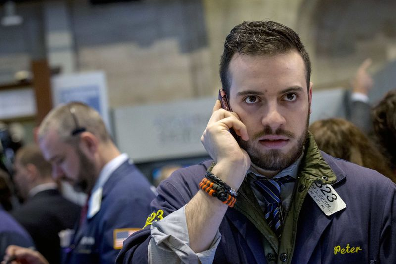 S&P 500 Claws Back Losses on Easing Fears of U.S. Default