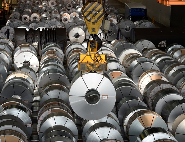 Zinc at 14-year high after output cuts driven by power crunch
